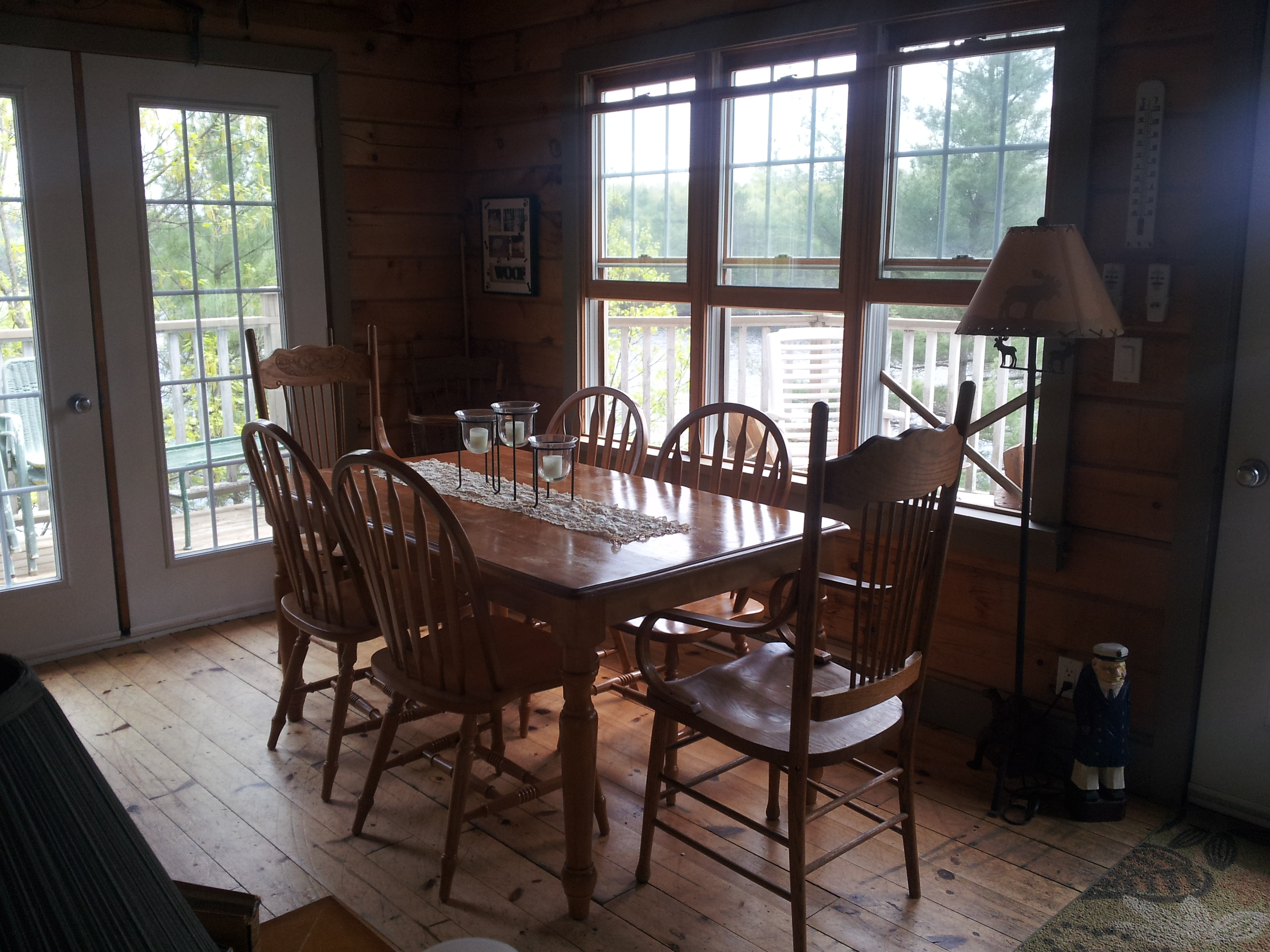 photo of dining area